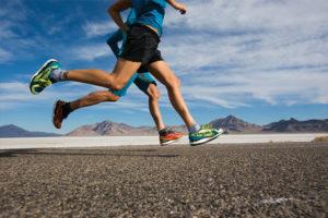 увеличение расстояний и темпов бега. Это просто опасно для здоровья