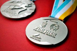 марафон медаль на финише