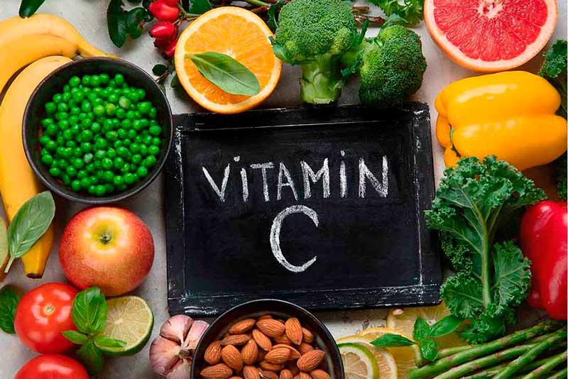 Витамин С: смородина, лимоны. апельсины, шиповник.